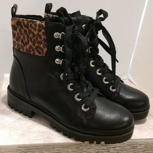 New Nine West Girly Combat Boots Leopard